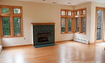 Living Room, 622 W Arlington Pl, 1