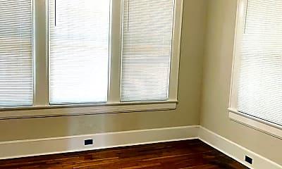Bedroom, 320 N Capitol Pkwy, 2