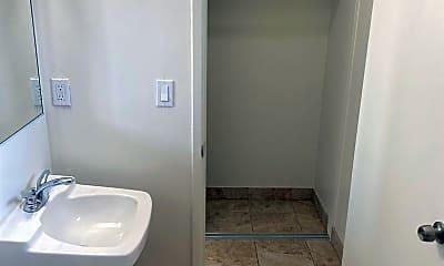 Bathroom, 717 Cook Ave, 2