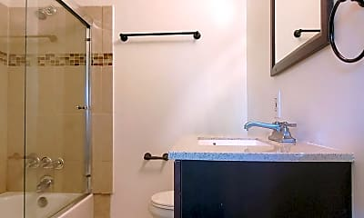 Bathroom, 255 N 3rd St, 2