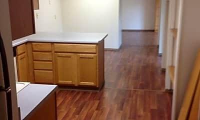 Kitchen, 1007 Aurora Dr, 2