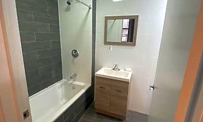 Bathroom, 213 Taaffe Pl, 1