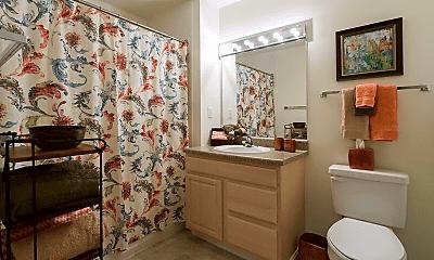 Bathroom, 517 Hilltop Dr, 2