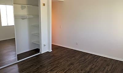 Living Room, 3220 1st Ave, 2