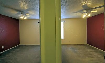 Bathroom, 2202 N Loop Blvd, 2