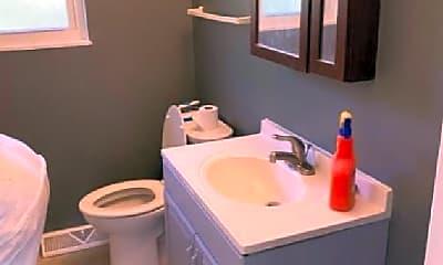 Bathroom, 515 Willard Ave, 1