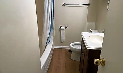 Bathroom, 2750 Paxton St, 2