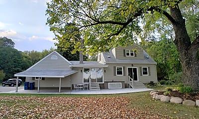 Building, 174 Twin Lake, 1