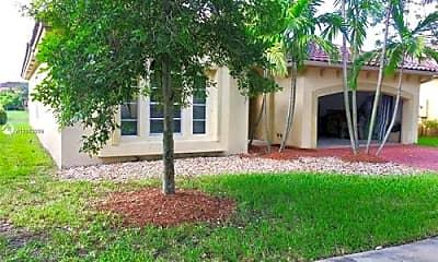 Building, 12860 SW 51st St, 1