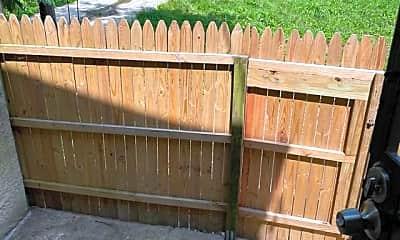 Patio / Deck, 526 Laurens St, 2