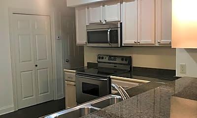 Kitchen, 4230 Highland Rd, 1