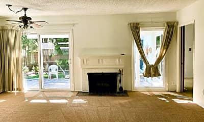 Living Room, 2925 Petaluma Ave, 1
