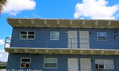 Building, 1045 W Washington St, 1