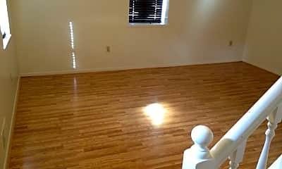 Living Room, 502 Suismon St, 1
