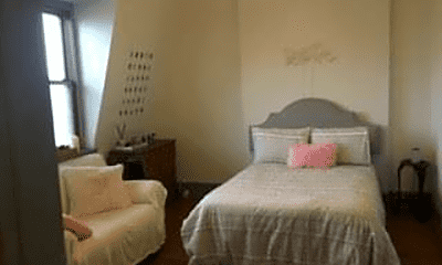 Bedroom, 702 E State St, 0