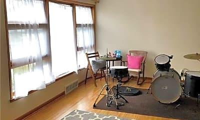 Living Room, 114 Bonnett Ave LOWER, 1