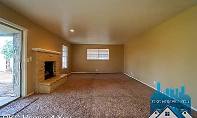 Living Room, 4617 Eastman Dr, 1