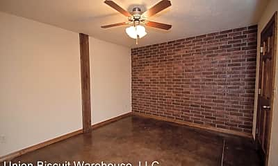 Bedroom, 211 S Market Ave, 2