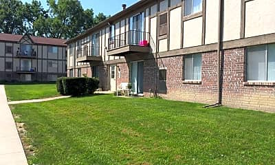 Courtyard, Bentley Square Apartments, 0