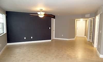 Living Room, 2803 N Oakland Forest Dr, 1