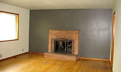 Living Room, 5006 NE Alberta St, 1