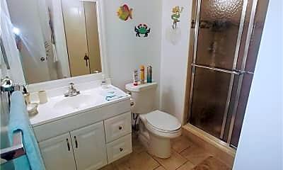 Bathroom, 16531 Blatt Blvd 102, 2