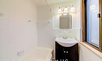 Bathroom, 2837 Spring St, 1