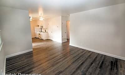 Living Room, 520 University Ave, 2