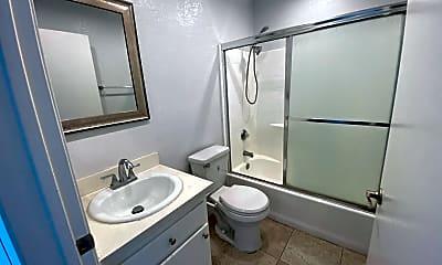 Bathroom, 827 S Wilton Pl, 2