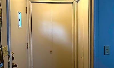 Bathroom, 1117 E Willard St, 1