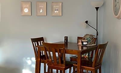 Dining Room, 401 E Beech St, 1