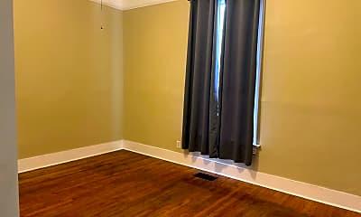 Bathroom, 401 N Elm St, 2