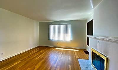Living Room, 2721 W Walton Ave, 1