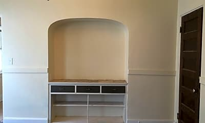 Kitchen, 3913 W Walnut St, 1