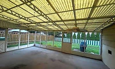 Patio / Deck, 643 Fairway Rd, 2