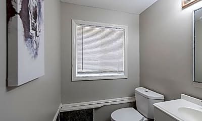 Bathroom, Room for Rent -  a 14 minute walk to bus 24, 1