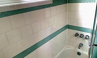 Bathroom, 685 S Coronado St, 2