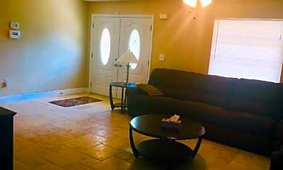 Living Room, 1121 SE 38th St, 1