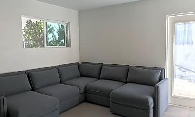 Living Room, 2643 Pirtle St, 1