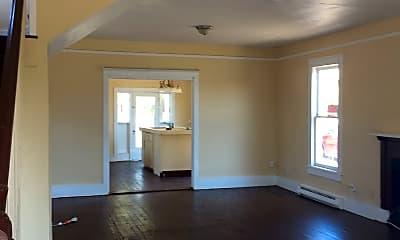 Living Room, 21 S Peninsula Dr, 1