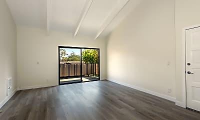 Living Room, 872 Highland Dr 1, 1