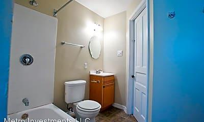 Bathroom, 2429 N Farwell Ave, 2