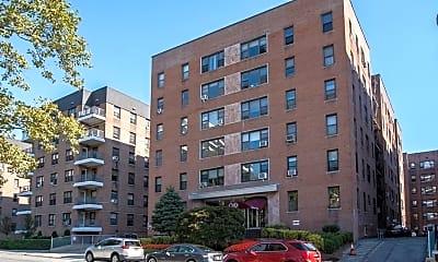 Building, 10 N Broadway 2G, 0