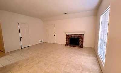 Living Room, 636 Greenvale Rd, 1