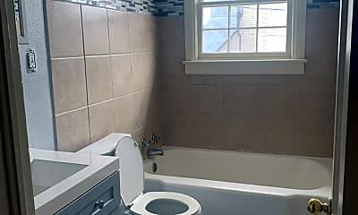 Bathroom, 2195 Glenmore Ave, 1