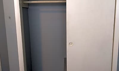 Bathroom, 1322 Parrett St, 2