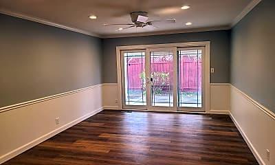 Living Room, 1105 Nottingham Pl, 0