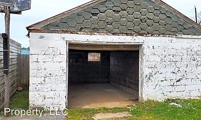 Building, 2602 W Walnut St, 2