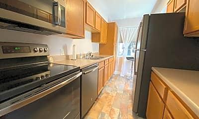 Kitchen, 502 Grandview Ct, 1