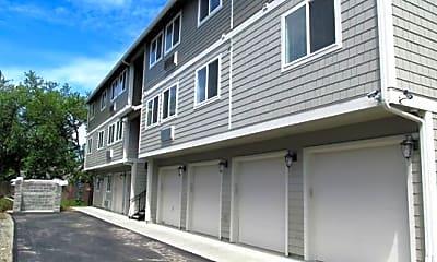 Building, 8049 SE Center St, 2